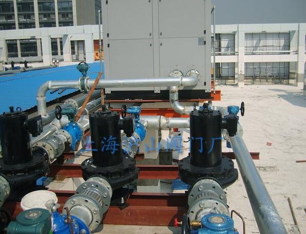 中央空调系统阀门安装现场1
